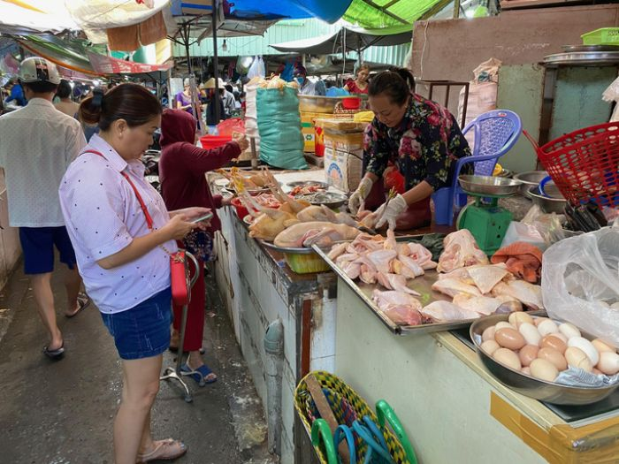 Chiêm bao thấy mình đi chợ mua thịt gà là một cát mộng không chỉ đối với bản thân bạn