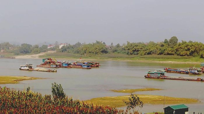 Chiêm bao thấy đang đi thuyền trên sông cạn chọn cặp số 34 – 73