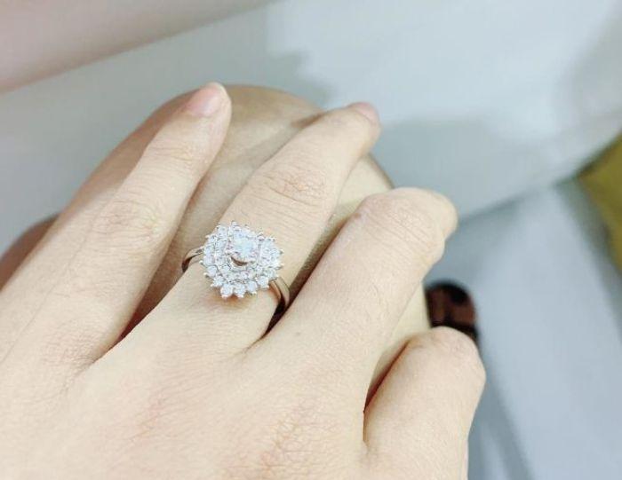 Chiêm bao nhặt được kim cương cho thấy vận may đang đến với bạn