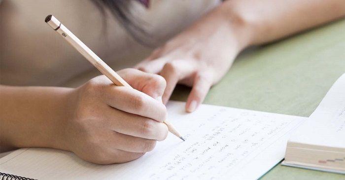 Nằm mơ thấy điểm số khi thi xong chứng tỏ bạn là người hay lo lắng và bất an