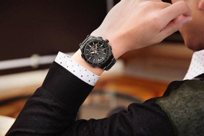 Thương gia mơ thấy được tặng đồng hồ đeo tay hàm ý sắp tới bạn sẽ đạt được rất nhiều thành tựu nổi bật