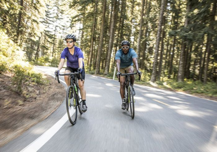 Mơ thấy đi xe đạp xuống dốc đánh con gì?